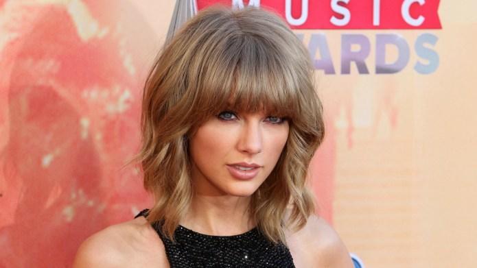 Taylor Swift's mom's beautiful speech stresses