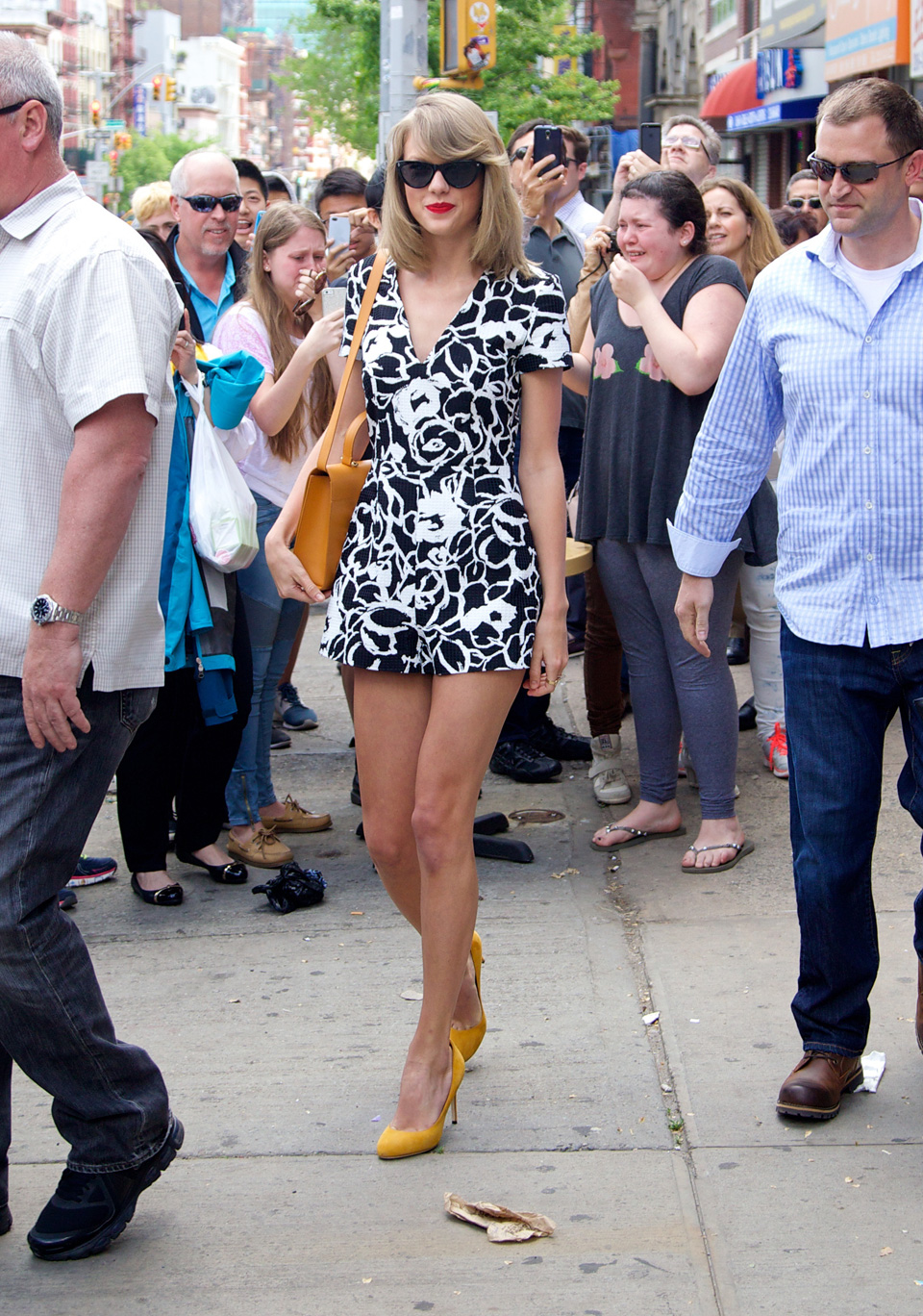 What's black, white and yellow? Taylor's adorable sunny day ensemble.