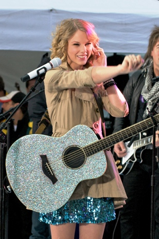 Taylor Swift performs on The Today Show