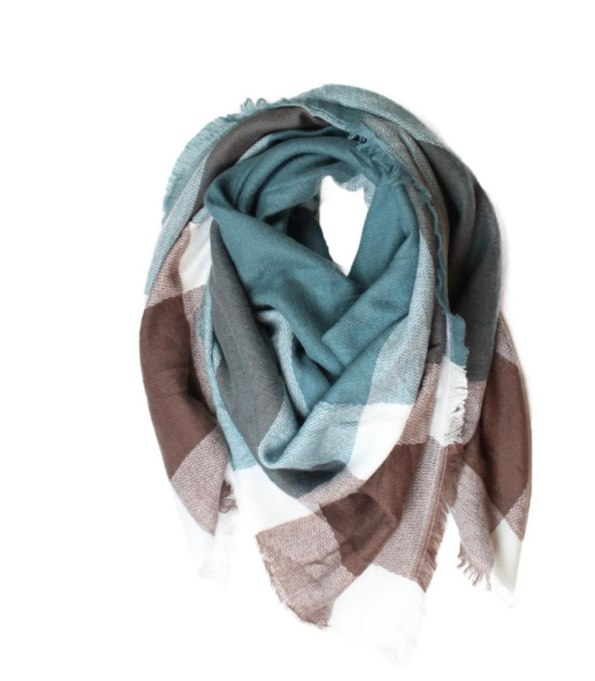 Blanket Scarves to Keep You Cozy This Fall and Winter: Carte Blanche scarf   Fall and Winter Fashion 2017