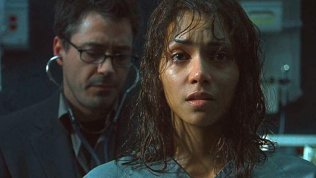 Halle Berry broke her arm in 2004's Gothika