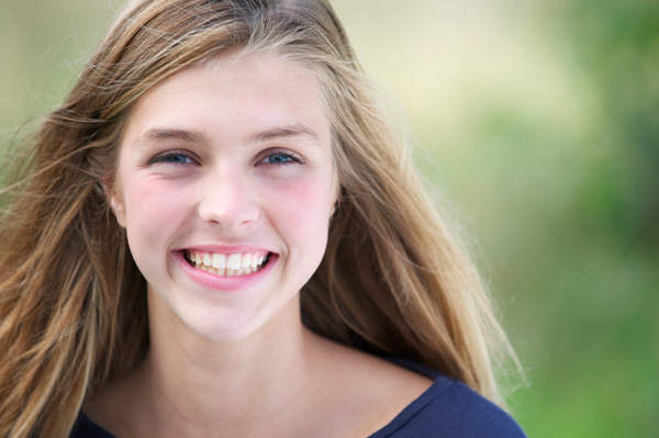 Teen girl with Invisalign