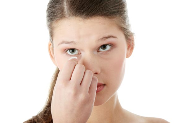 teen-removing-makeup