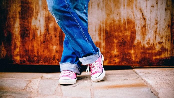 Teen takes tough stand against anti-vaxxer