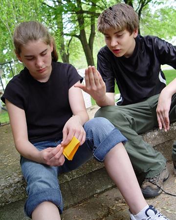 Teens having conversation | Sheknows.com