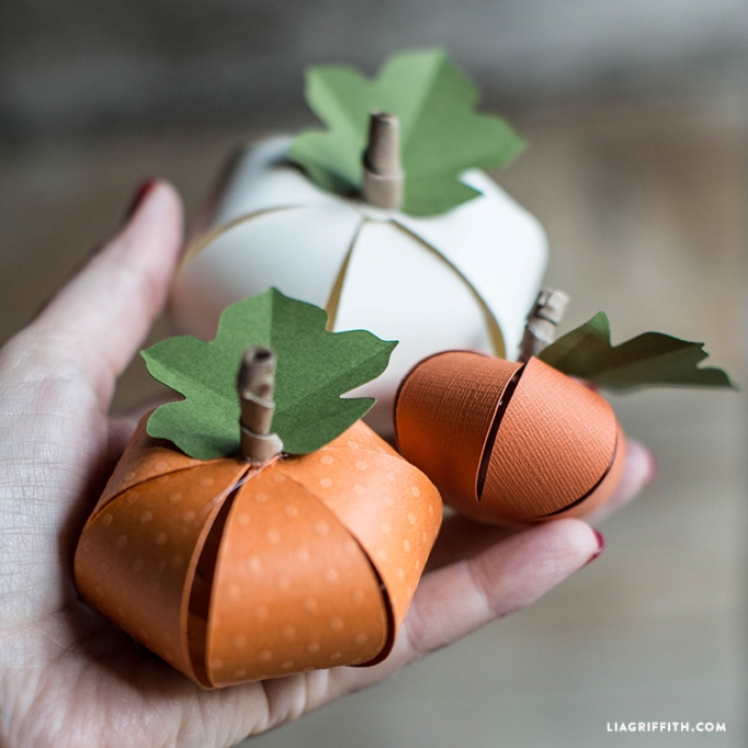 7 Super-Easy (Yet Totally Adorable) Halloween Crafts: Paper Pumpkins