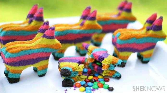 These Cinco de Mayo Piñata Cookies
