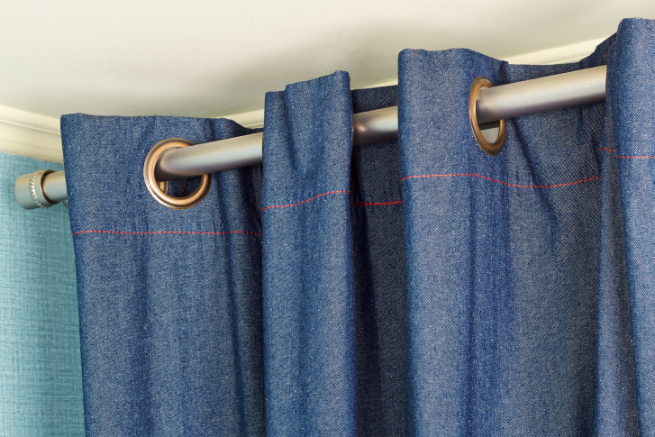 hang-drapes-with-tension-rods