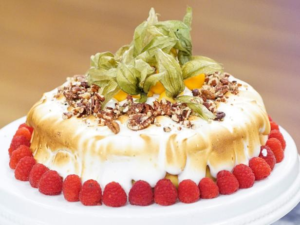 Holiday Baking Championship Recipes: Roasted Butternut Squash Pudding Cake