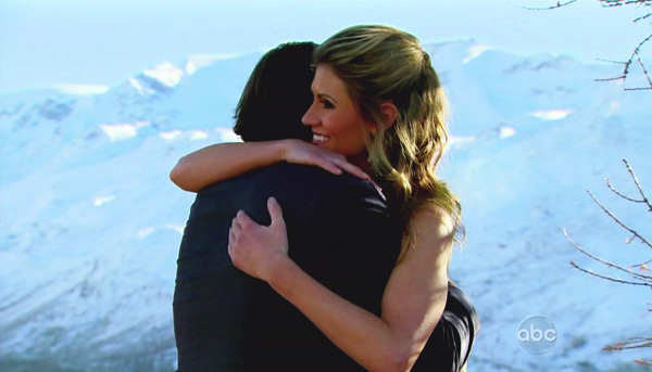 Ben Flajnik hugs Lindzi Cox goodbye