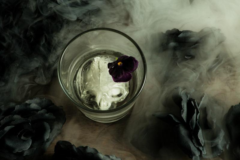 The Gravedigger halloween cocktail