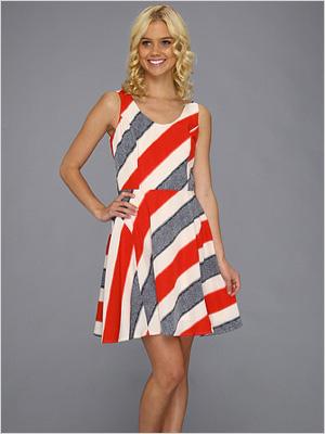 colorful dress for full-figured women