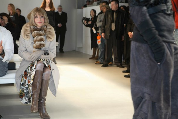 Anna Wintour takes a look and speaks volumes