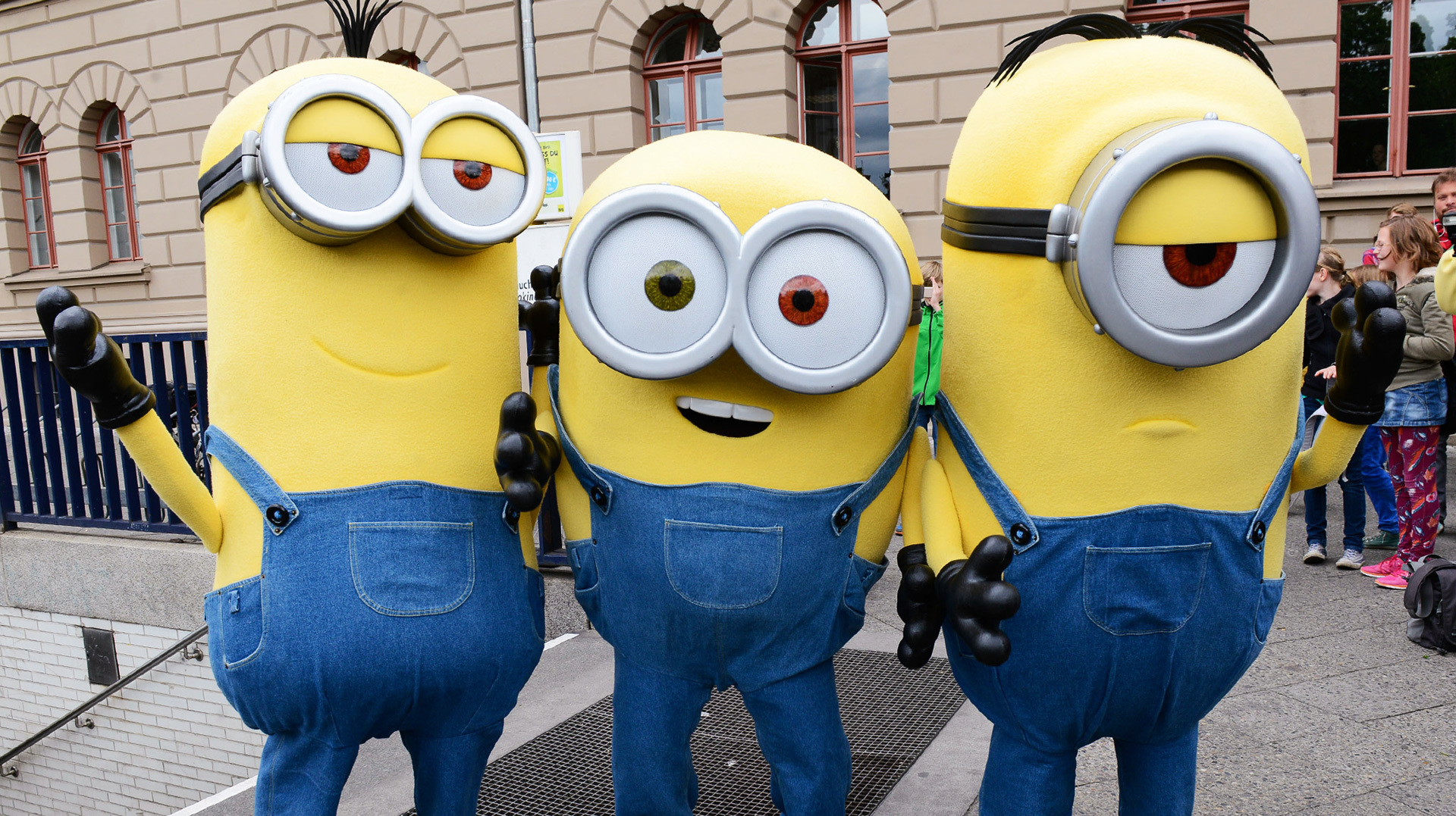 1864d088234 How to make a Despicable Me minion costume that ll win Halloween ...