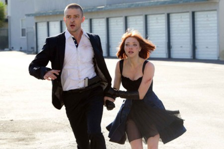 Justin Timberlake and Amanda Seyfried in In Time