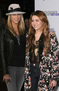 Tish Cyrus Miley Cyrus - WENN