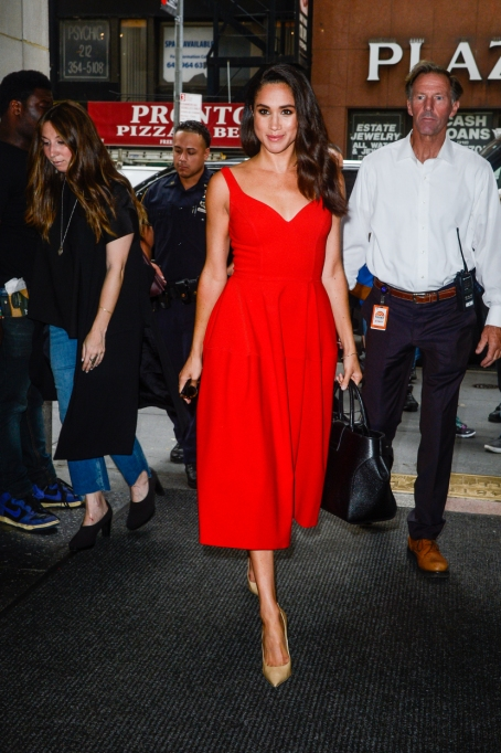 "Meghan Markle's Most Fashionable Outfits | Entering the ""Today Show"" taping"