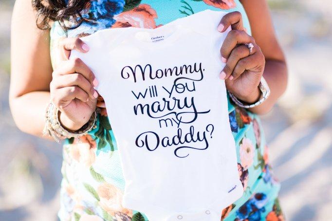 surprise-maternity-engagement-photo-shoot-onesie