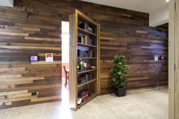 AIRBNB-OFFICE-Bookcase-Entrance