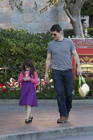Tom Cruise take daughter Suri on an outing