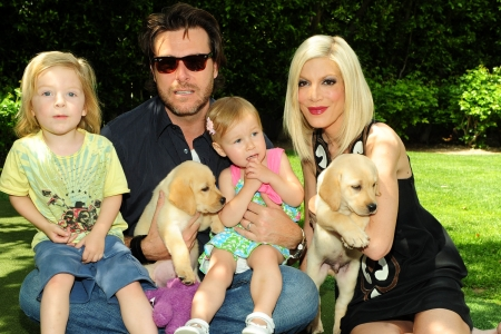 Tori Spelling and Dean McDermott and their two kids!