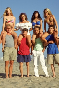 Tori Spelling and the cast of 90210