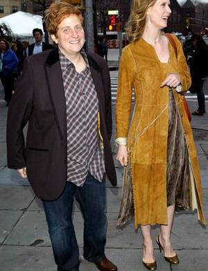 Cynthia Nixon and girlfriend got hitched!