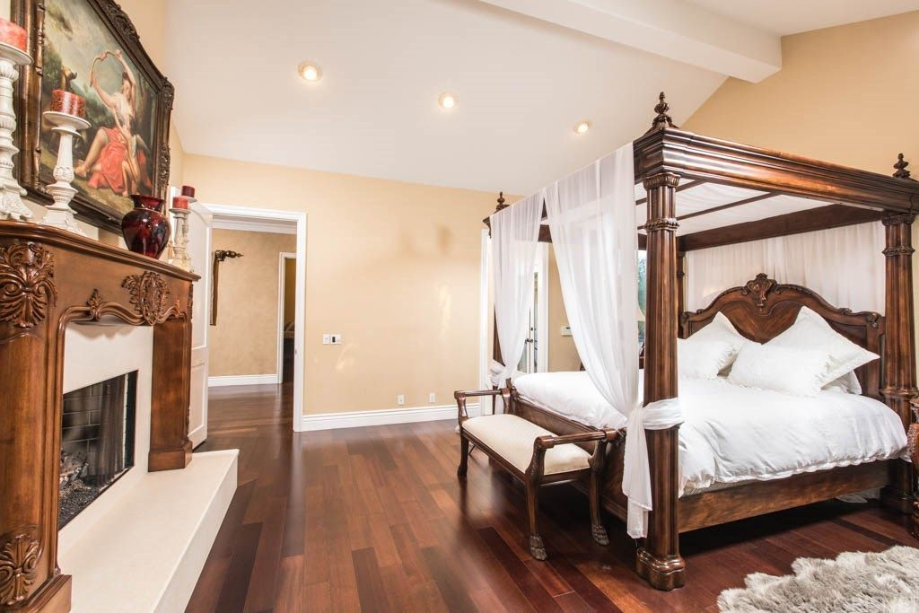 Tupac Shakur's mansion has a luxurious master bedroom.