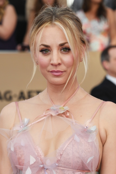 Celebrities Who Embrace Their Acne | Kaley Cuoco