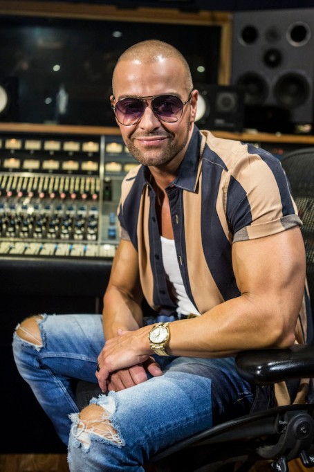 Celebs Tell Us What They're Getting Their Kids for the Holidays: Joey Lawrence