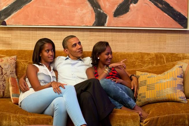 malia-sasha-obama-2012