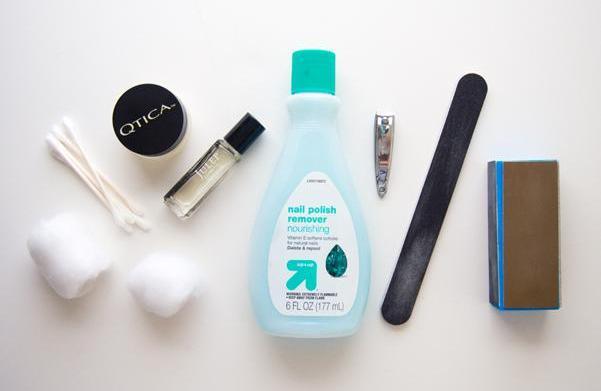 A nail art tool kit for