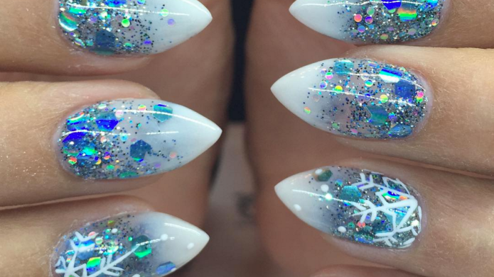 The icicle nails trend is taking