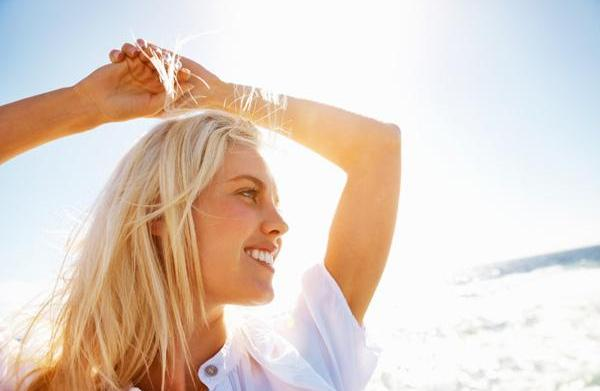 How to get sun-kissed, blonde hair