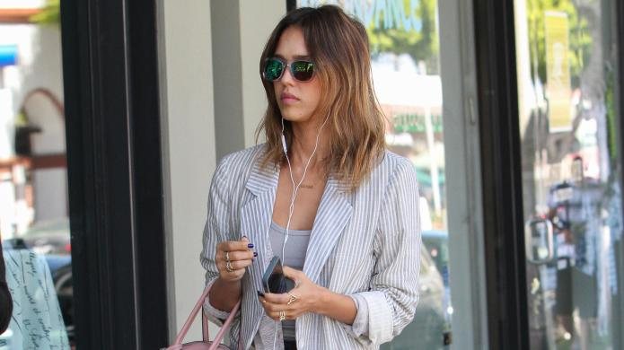 Jessica Alba proves she's the queen