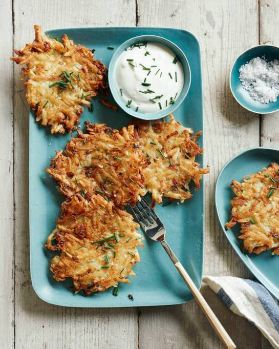 14 Traditional Hanukkah Dishes That Should Be In Everyone's Repertoire: potato latkes