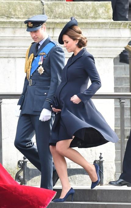 Kate Middleton navy blue maternity dress