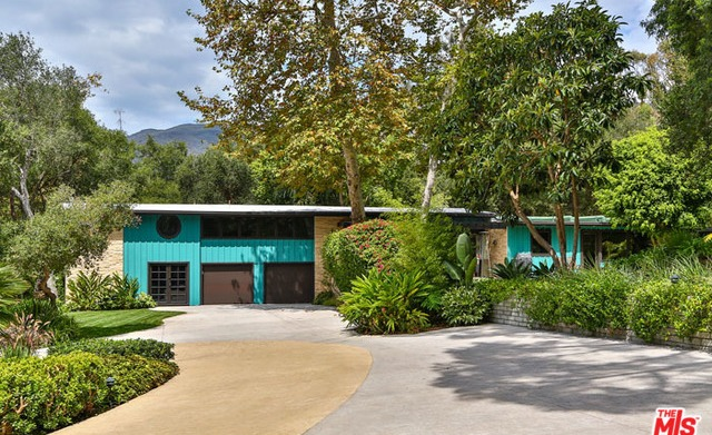 Miley Cyrus' new Malibu beach house