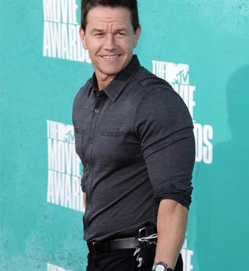"Celebody: The ""Mark Wahlberg workout"" for"