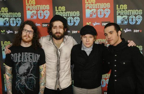 Fall Out Boy falls back together