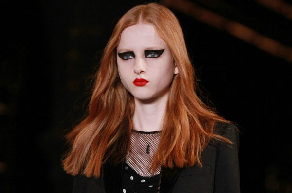 Unevenly applied eyeshadow trend