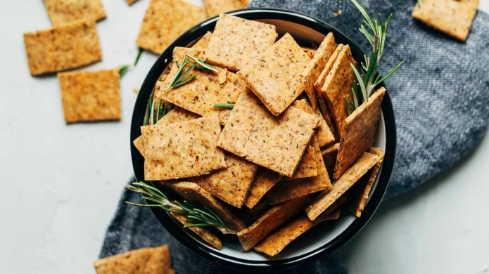 15 Healthy Snacks to Give You