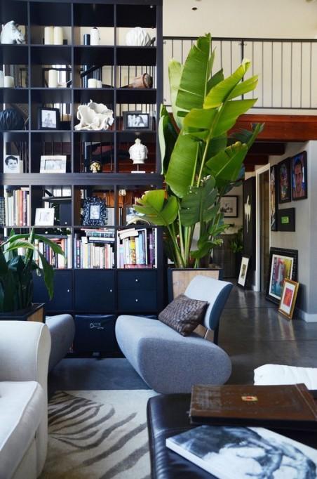 Floor-to-ceiling shelves