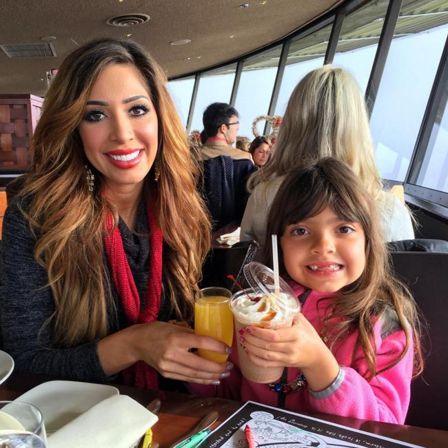 Farrah Abraham and daughter Sophia drinking milkshakes