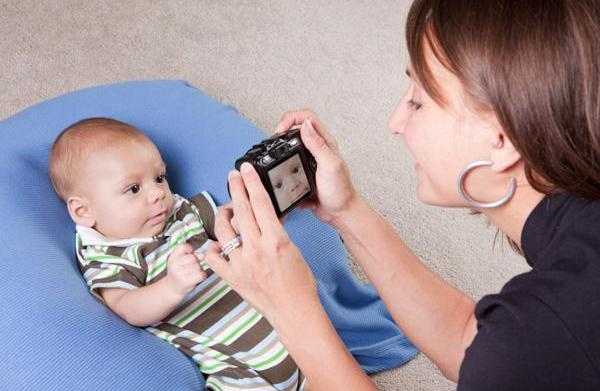 Best beginning DSLR cameras for moms