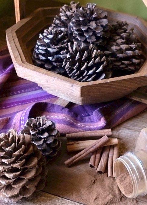 Easy Fall Decor DIYs: Cinnamon pinecones make your home smell great