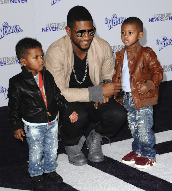 Usher with his two sons, Usher Raymond V and Naviyd.