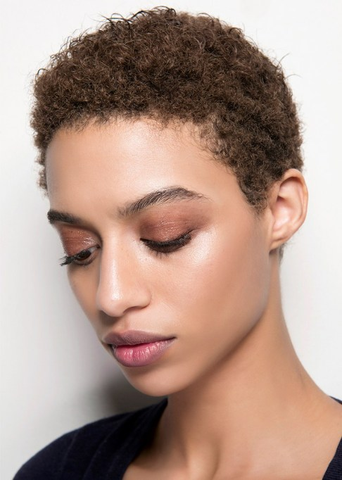 Summer Beauty Ideas For When It's Crazy-Hot | Rust colored shadow