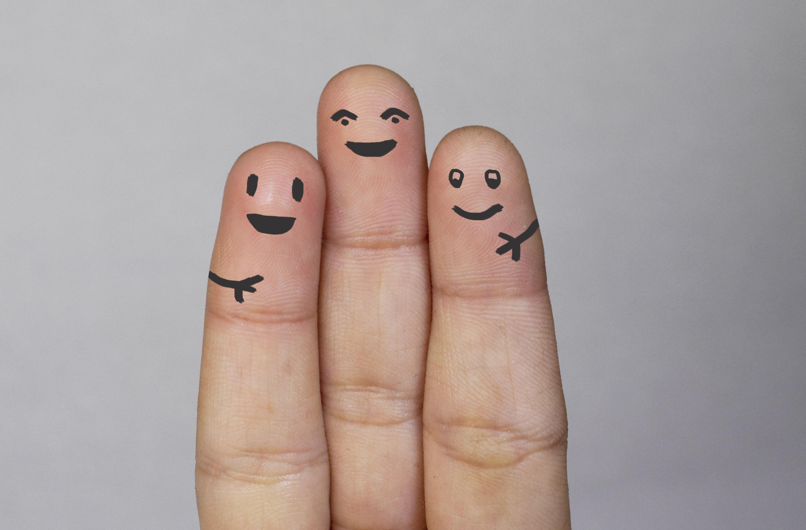 Февраля, картинка с пальцами
