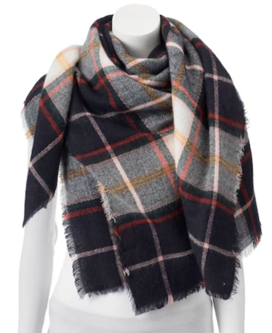 Blanket Scarves to Keep You Cozy This Fall and Winter: Apt 9 scarf at Kohl's   Fall and Winter Fashion 2017